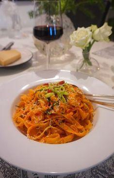 Ljuvlig sås me Pasta Recipes, Cooking Recipes, Just Eat It, Pasta Noodles, Food Cravings, I Love Food, Vegetarian Recipes, Food And Drink, Chili