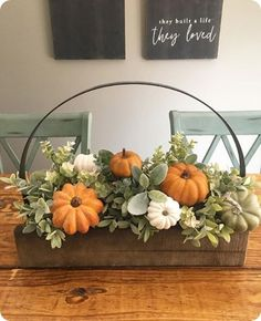 50 Luxurious Crafty Diy Farmhouse Fall Decor Ideas More from my site DIY Fall Crafts & Decoration Ideas That Are Easy and Inexpensive 100 Best DIY Bedroom Decor Ideas 55 Gorgeous DIY Farmhouse Furniture and Decor Ideas For A Rustic Country Home Thanksgiving Decorations, Seasonal Decor, Thanksgiving Table, Thanksgiving Wreaths, Fall Arrangements, Hydrangea Arrangements, Autumn Decorating, Decorating Ideas, Porch Decorating