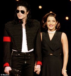 Michael Jackson And Wife | Michael Jackson with wife Lisa Marie Presley in 1994. She says he ...