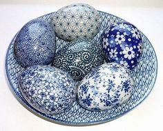 Blue and white porcelain eggs Blue And White China, Blue China, Blue Pottery, Himmelblau, Egg Art, Polish Pottery, Egg Decorating, White Decor, Delft