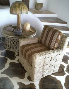 Jacques Grange home in Portugal with chairs by John Himmel. Corner Reading Nooks, Sofa Styling, Brown Sofa, Lounge, Mirrored Furniture, Wood Interiors, Plant Decor, Decoration, Wicker