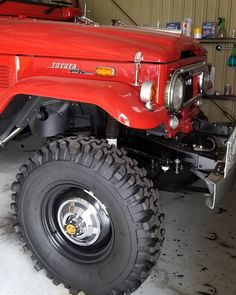 Love those tall skinnys! Toyota Cruiser, Toyota Fj40, Toyota Trucks, Fj Cruiser, Cool Trucks, Big Trucks, Best Off Road Vehicles, Carros Toyota, Land Cruiser 70 Series