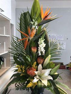 Contemporary Flower Arrangements, Tropical Flower Arrangements, Creative Flower Arrangements, Ikebana Flower Arrangement, Church Flower Arrangements, Funeral Arrangements, Beautiful Flower Arrangements, Unique Flowers, Exotic Flowers
