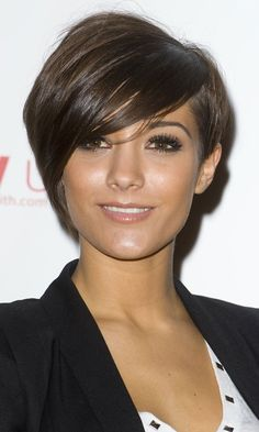 Frankie Sandford#039;s Short And Side-Swept Hairstyle, January 2010