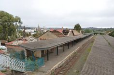 rail services from Grahamstown Station ended in 2009 after over 130 years. Recent photographs suggest that the site is severely neglected Decor Interior Design, Interior Design Living Room, Room Interior, Moving Day, Outdoor Furniture Sets, Outdoor Decor, South Africa, Contemporary Art, Real Estate