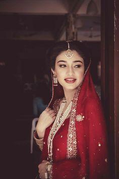 Pakistani Party Wear, Indian Kurta, Asian Bride, Bridal Dresses, Baby Dresses, Henna Patterns, Photos Of Women, Wedding Styles, Wedding Ideas