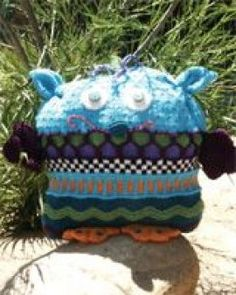 Cascade Monster Knitting Patterns Free, Free Knitting, Crochet Patterns, Kids Hats, Hens, Christmas Ornaments, Holiday Decor, Projects, Design