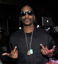 Snoop shoots two back