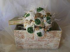 Buque vintage com flores de tecido!!!!!