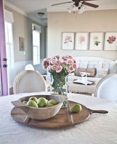 Easy tips and ideas for decorating using trays and boards @Cedar Hill Farmhouse
