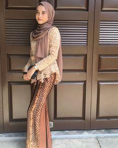 Kebaya Muslim, Kebaya Modern Hijab, Model Kebaya Modern, Kebaya Hijab, Kebaya Dress, Batik Kebaya, Batik Fashion, Hijab Fashion, Fashion Dresses
