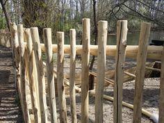 zulu rusztikus fakerítés akácfából