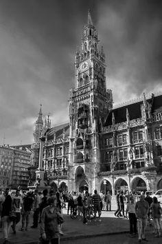 """""""Frauenplatz 1"""", localizada no centro da cidade"""