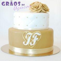Dourado e Branco | Recortado | bolo casamento dourado | Grãos de Açúcar - Bolos decorados - Cake Design