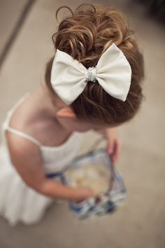i want hair bows! any colors! just bows! big or small! Flower Girl Hairstyles, Little Girl Hairstyles, Cute Hairstyles, Wedding Hairstyles, Kids Braided Hairstyles, Bridesmaid Hair Straight, Twist Braids, Girls Bows, Hair Dos