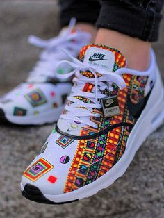 Think you are a trendy chick? Seen these Nike air max sneakers? We all know Nike can never go wrong when it comes to classic pair of sneakers, the designs and technologies are breathtaking, the h. Cute Shoes, Women's Shoes, Me Too Shoes, Shoe Boots, Shoes Sneakers, Roshe Shoes, Shoes 2016, Sneakers Design, Trendy Shoes