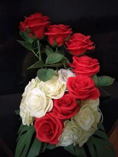 Valentine Flower Arrangements, Funeral Floral Arrangements, Creative Flower Arrangements, Church Flower Arrangements, Church Flowers, Beautiful Rose Flowers, Good Morning Flowers, Diy Wedding Decorations, Flower Vases