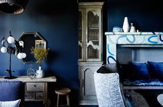 Hotel Palisade: Seaside Glamour on Sydney Harbor, from Sibella Court (Remodelista: Sourcebook for the Considered Home) Navy Living Rooms, Blue Rooms, Blue Wall Colors, Navy Walls, Yves Klein, Elle Decor, Colorful Interiors, Home Projects, Color Inspiration