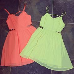 Neon Dresses ☻ ⇜•ṄεΦЙ❉€яᗛƶΣ•⇝