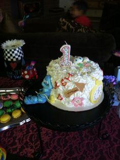 Alice in Wonderland Smash Cake