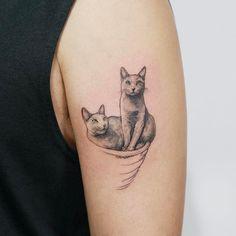 : Russian-blue . #tattoo #tattoos #tattooing #art #tattooistdoy #inkedwall #design #drawing #타투 #타투이스트도이 #SwashRotary #dynamic #intenz #silverback #BellLiner #BellNiddle #TattooSupplyBell #pet #cat #russianblue