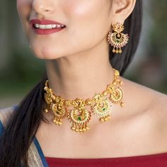 30 bridal gold necklace designs to check out before buying your wedding jewellery! Jewellery Design Images, Jewelry Design, Short Necklace, Gold Necklace, Necklace Set, Antique Necklace, Wedding Jewelry, Gold Jewelry, India Jewelry