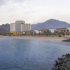 Чудесный отель в #ОАЭ для семейного отдыха Oceanic Khorfakkan Resort & Spa    #отель расположен в прибрежном городе Хор-Факкане, всего в 20 минутах езды от города Эль-Фуджайр. От отеля Oceanic Khorfakkan Resort & Spa до пляжа 1 минута ходьбы, до международных аэропортов Дубай и Шарджа  90 минут езды на машине.  К услугам гостей отеля Oceanic Khorfakkan Resort & Spa пляж, открытый бассейн, дайвинг-центр…  В отеле: 177 номеров. Номера оснащены системой центрального кондиционирования...