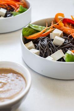 #Recipe: Easy Veggie Noodle Bowl with Peanut Sauce #vegan