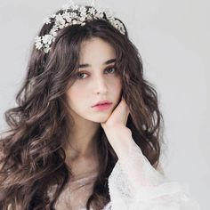 Hot Ukrainian girl speaks in Chinese because she looks so beautiful . Pretty People, Beautiful People, Beautiful Beautiful, Photographie Portrait Inspiration, Chica Cool, Aesthetic Girl, Girl Face, Ulzzang Girl, Girl Photography