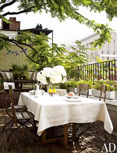 Green patio with dinning terrace. #patio #oasis #tree #garden