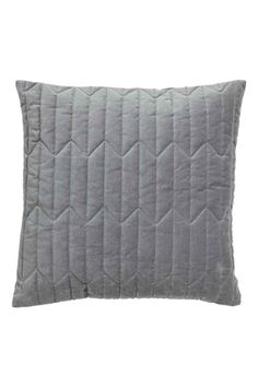 Quilted velvet cushion cover: Cushion cover in cotton velvet with a quilted front and a concealed zip.