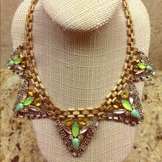 Stella & Dot Palmia Necklace Beautiful Statement Necklace! Never worn. Stella & Dot Jewelry Necklaces
