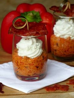 """Verrine chorizo, pepper, goat cheese provides the recipe """"Verrine chorizo, pepper, goat"""" printed by parfaiO. Parfait Desserts, Cooking Time, Cooking Recipes, Fingers Food, Fingerfood Party, Antipasto, Food Inspiration, Love Food, Entrees"""