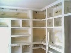 Kairós Decorações em gesso: Painéis em gesso acartonado - A nova febre! Closet Office, Closet Bedroom, Walk In Closet, Drywall, Karton Design, Cabinet Door Storage, Kids Bunk Beds, Gypsum, Small House Design