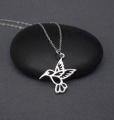 Hummingbird Necklace Sterling Silver 925 by themoonflowerstudio Boho Jewelry, Silver Jewelry, Women Jewelry, Silver Earrings, Diamond Jewelry, Earrings Uk, Jewelry Logo, Jewelry Shop, Jewelry Art