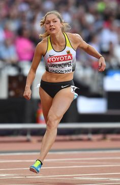 Gina Lückenkemper - Women's 100 m Semi-Final at the IAAF World Championship in London Weight Loose Tips, Female Pose Reference, Muscular Legs, Athletic Events, Beautiful Athletes, Olympic Sports, Runner Girl, Semi Final, Action Poses