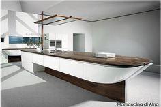 Design e Mare - La ditta tedesca ALNO ha proposto Marecucina, una cucina ispirata alla forma di un barca a vela. Design originale e di grande impatto.