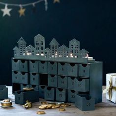 Christmas Decorations Laun
