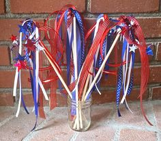 4th of July Craft: Patriotic Wands from Buggy and Buddy