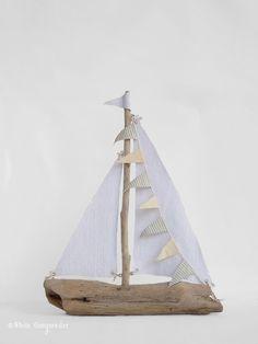 DIY Driftwood Sailboats