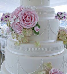 Cake image © EdoardoAgrest.it | Peggy Porschen