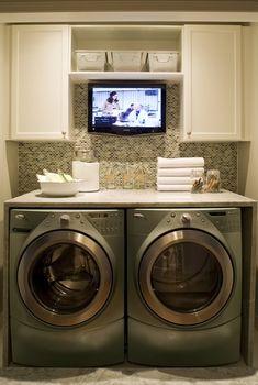 Hihii, telkkari pyykkärille.