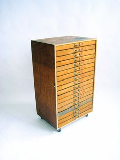 18-drawer flat-file type cabinet