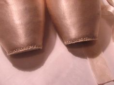 The way I darn my pointe shoes. Dance Pants, Pointe Shoes, Darning, Dance Wear, Ballet Dance, Dancer, Hip Hop, Lady, Image