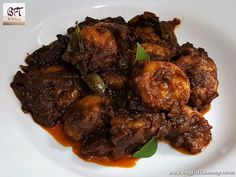 If you want an easy and instant Goan prawn molho, then this recipe is for you. Made with ready to use spice powders, the molho is quick to make and [. Indian Prawn Recipes, Goan Recipes, Fish Recipes, Seafood Recipes, Prawn Masala, Prawn Curry, Vindaloo, Desi Food, Stuffed Peppers