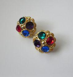 Jewel Tone Rhinestone Earrings Multicolor Dome by baublologyy #vogueteam #vintagejewelry #jeweltonerhinestones