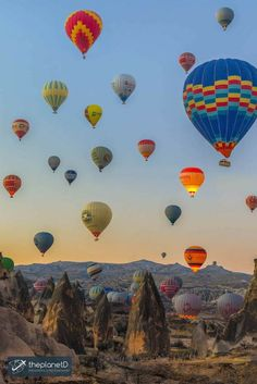 Practical tips for choosing the best hot air ballooning tour in Cappadocia, Turkey... Not all flights are created equal! | Blog by The Planet D: Canada's Adventure Travel Couple