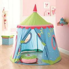 Play tent for any little girl, completely collapses for storage into a zipper carry case