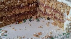 This rich gluten-free cake is made with ground hazelnuts instead of flour, topped with whipped cream and chopped toasted hazelnuts. Drink Recipes, Cake Recipes, Dessert Recipes, Desserts, Hungarian Food, Hungarian Recipes, Walnut Torte Recipe, Hazelnut Cake, Springform Pan