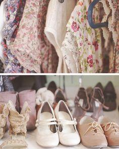 I love Vintage Girly style! Look Vintage, Vintage Mode, Vintage Floral, Vintage Stuff, Vintage Prints, Vintage Outfits, Vintage Fashion, Vintage Shoes, Vintage Closet
